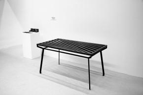 Passagen Köln – Ausstellung des Tisches Prolog von Niklas Markloff & DanielRauch