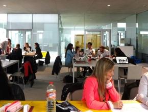 Carbón y Acero – Internationaler Studierenden Workshop zu Gast imSANAA-Gebäude