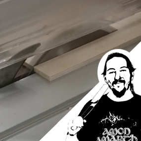 Das Beistelltischchen – Das Erstsemester lernt die ID – Modellbauwerkstatt kennen. Heute: Zuschnitt der Multiplexplatten.